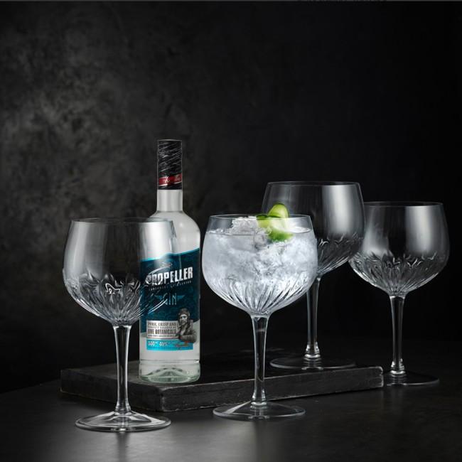 Gin pakke med glas og Propeller Gin