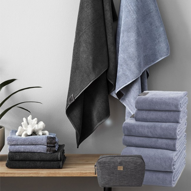Georg Jensen Damask towels & toiletbag