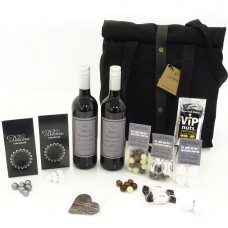 Juna Rå Picnicbag with wine and sweets