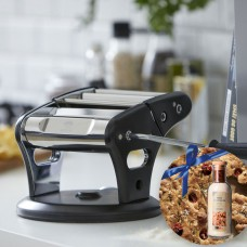 HOLM Pasta Machine & Bottles by Malund Foccacia Bred Mix