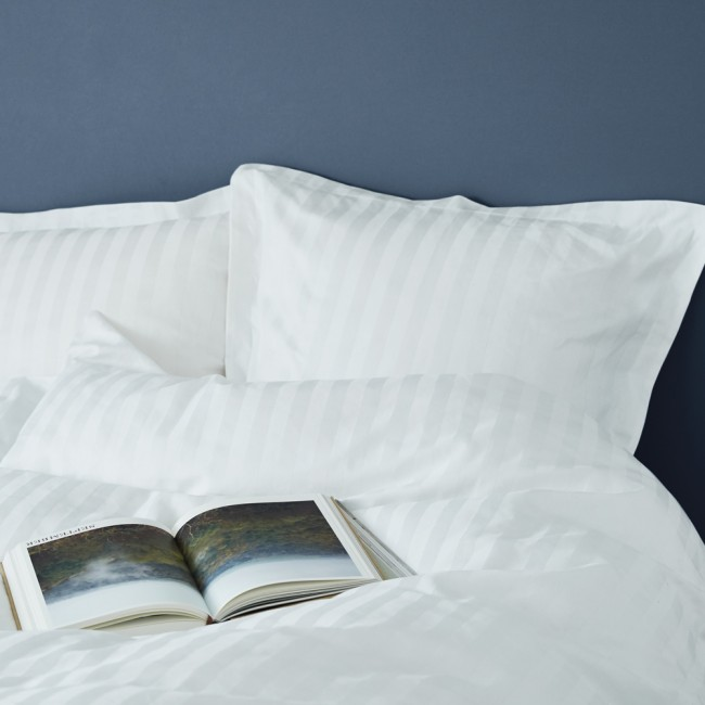Georg Jensen Damask Cubicle Bed Linen