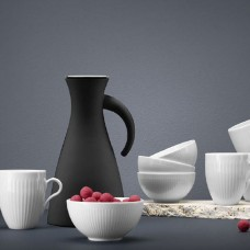 Eva solo termo jug and porcelain